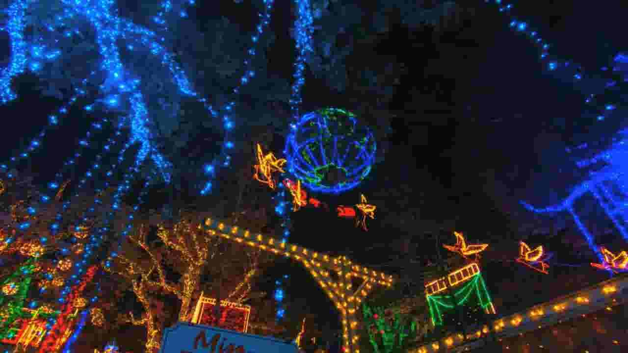 take a tour of an old time christmas at silver dollar city - How Old Is Christmas