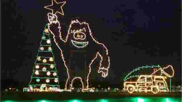 reynolds farm equipment christmas display in fishers celebrates 25th year - How Many Days Left For Christmas