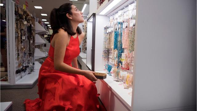 La Palmera Mall Will Host Rockport Fulton High Schools Prom