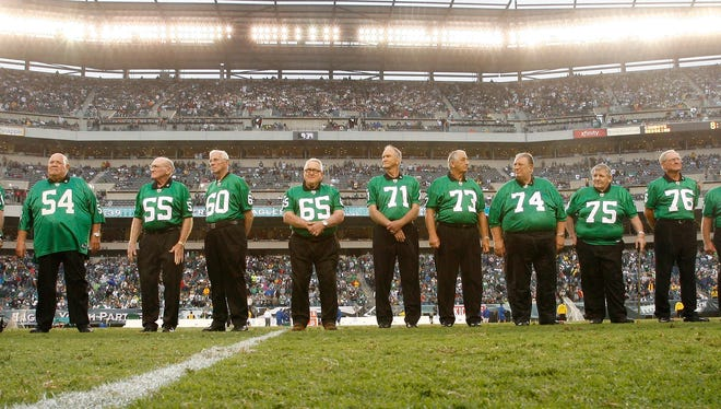 Former Yorker Eddie Khayat (73) was a member of the last Philadelphia Eagles team win an NFL championship ... 58 years ago. He and his teammates were honored in Philly at a game in 2010.