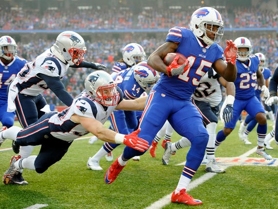 Buffalo Bills' Brandon Tate (15) returns the opening