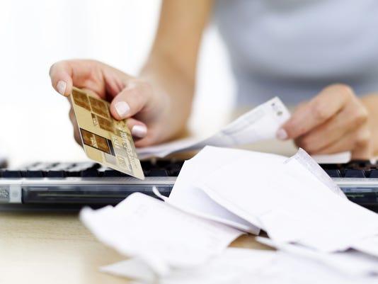 636204489276950932-credit-bills.jpg