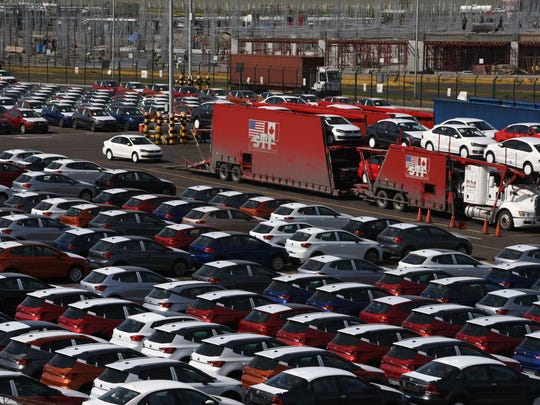 """Picture taken at the Port of Veracruz, in Veracruz State, Mexico, on 27 August, 2018. - Mexican President-elect Andres Manuel Lopez Obrador called Monday for a three-way trade deal with the United States and Canada, saying a two-way agreement reached with the US was just a first step. """"It's important that Canada also be included,"""" said the leftist president-elect, who takes office on December 1. """"The free-trade agreement should remain as it was originally conceived"""" he told journalists."""