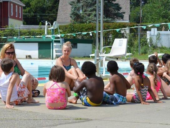 Camp Splash lesson begins (2)
