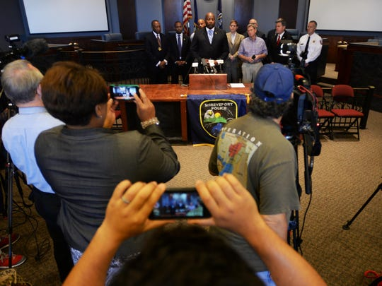 Shreveport officials meet for a press conference Thursday morning about the fatal shooting of Shreveport officer Thomas LaValley and the manhunt for suspect Grover Cannon.