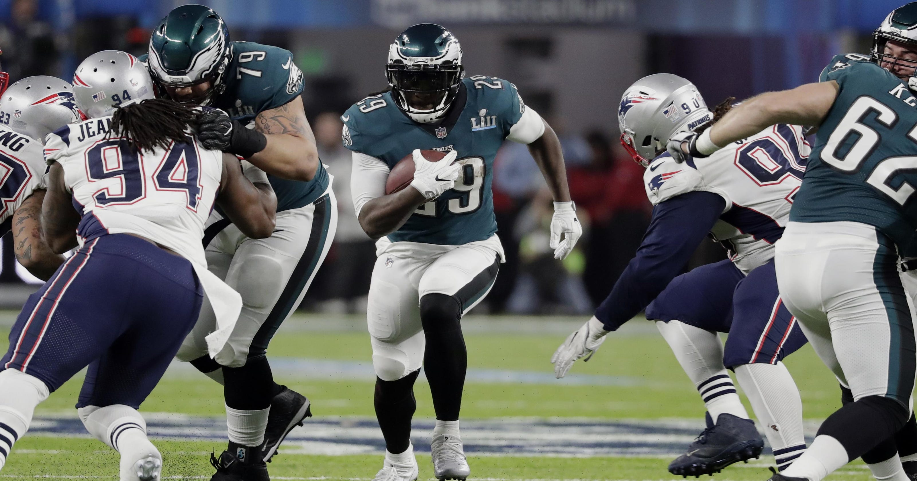 e427d85d39b Lions upgrade at running back by signing LeGarrette Blount