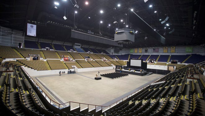 The Milwaukee Admirals will play the 2016-'17 season at the UW-Milwaukee Panther Arena.