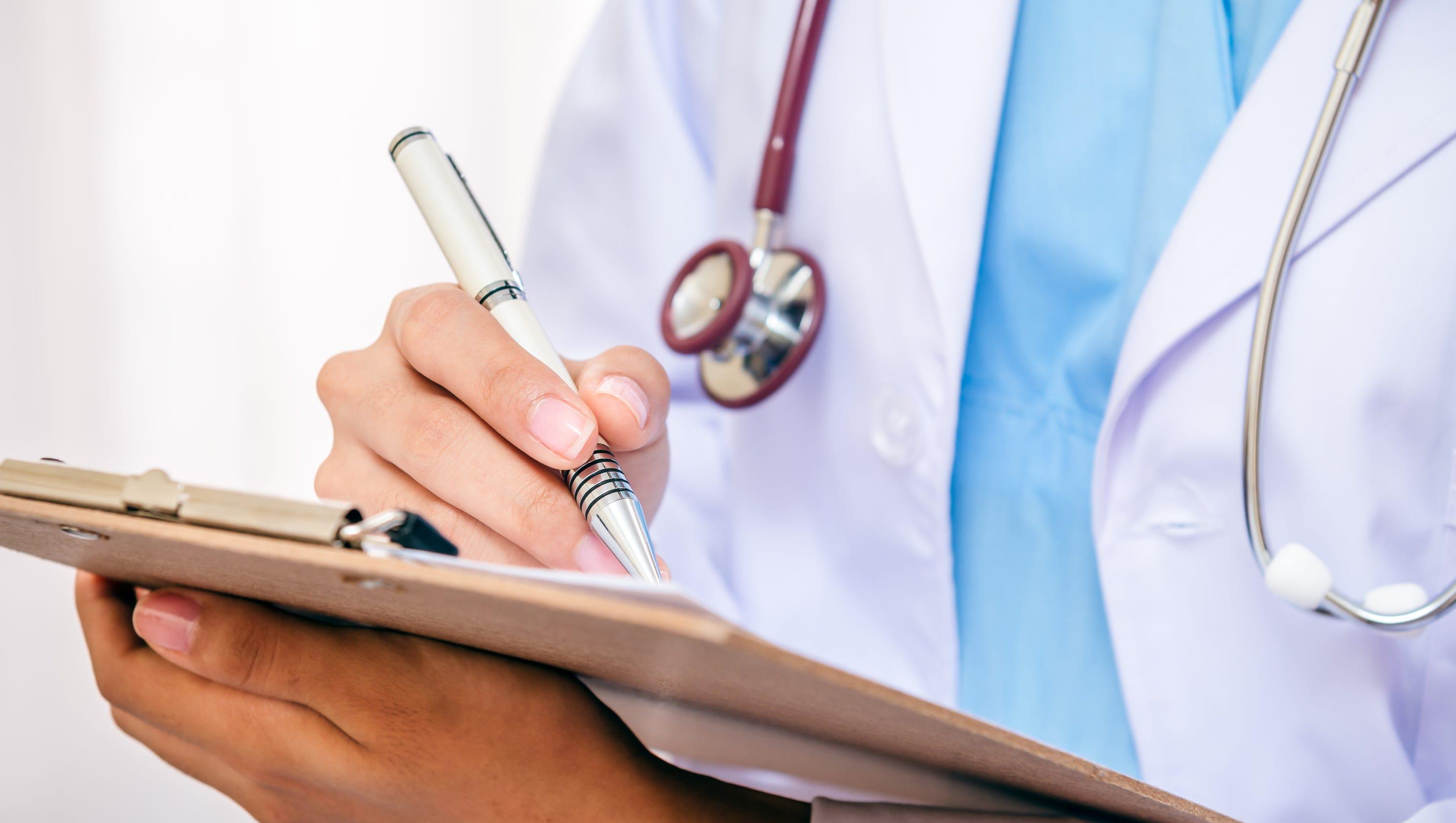 doctors fight advance practice nurses attempt at autonomy