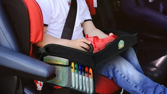 It's easier for kids to play in the car with this travel tray.