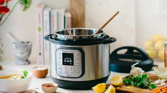Instant Pot Duo60 7-in-1 electric pressure cooker