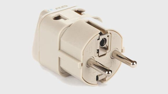 The best gifts for travelers - power adapter