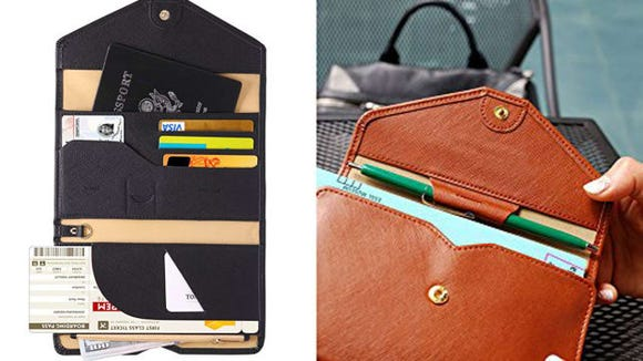 The best gifts for travelers - travel wallet