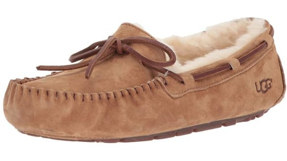 best-gifts-for-mom-2018-ugg-dakota