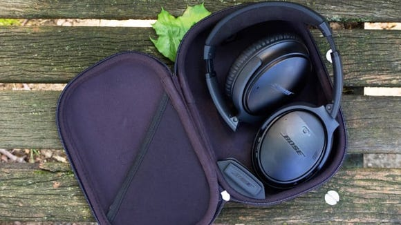 Best gifts for dad: Bose QuietComfort 35 noise-canceling wireless headphones