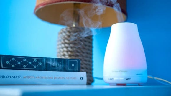 Best Valentine's Day Gifts 2019: InnoGear Aromatherapy Essential Oil Diffuser (Photo: Reviewed / Jackson Ruckar)