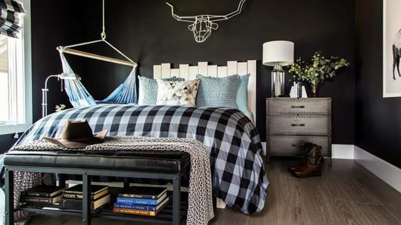 This space adds some trendier pieces but still sticks with the Western style.