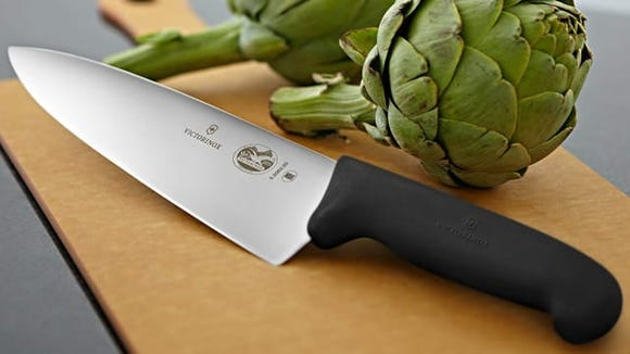 Best gifts for wives 2020: Victorinox Fibrox Pro Chef's Knife.