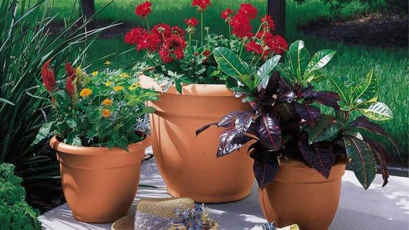 Bloem Self-Watering Planter