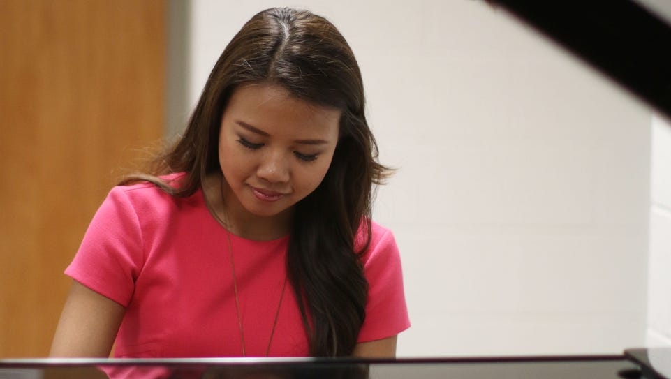 Justine Ker plays Chopin's Fantaisie-Impromptu at the