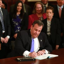 Christie to lead White House search for opioid solutions
