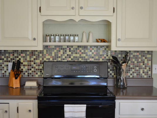 backsplash Colleen 3.jpg