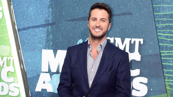 Luke Bryan arrives at the CMT Music Awards at Bridgestone Arena, in Nashville, Tenn. on June 10, 2015.