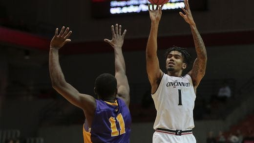 Sophomore Jacob Evans leads the University of Cincinnati with 21 points per game.