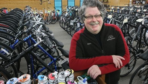 Chris Kegel, a legend in the cycling world who built the Wheel & Sprocket chain into a nationally renowned bicycle business, died on Tuesday.