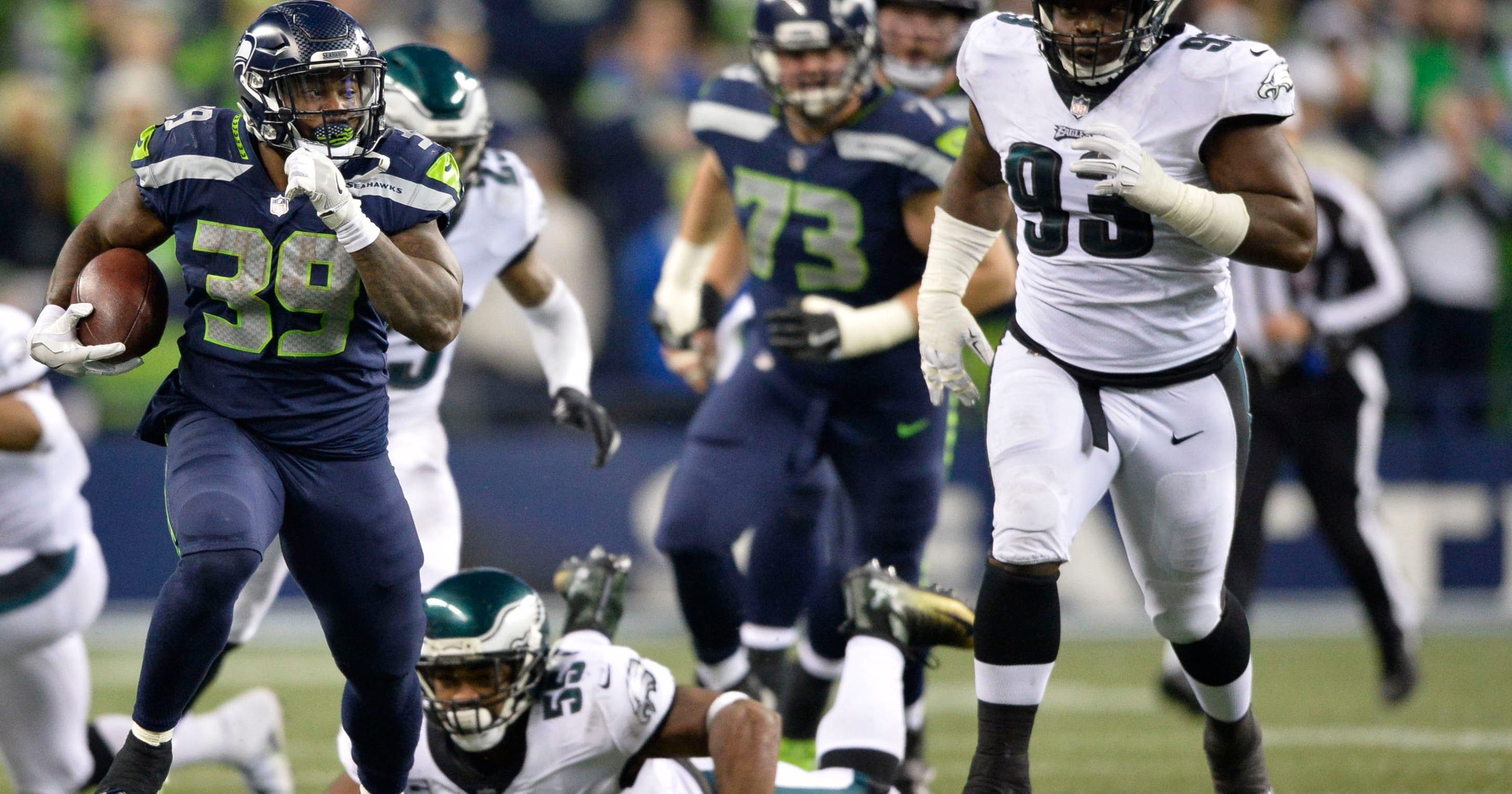6a4f196a2 Seattle Seahawks bring back running back Mike Davis