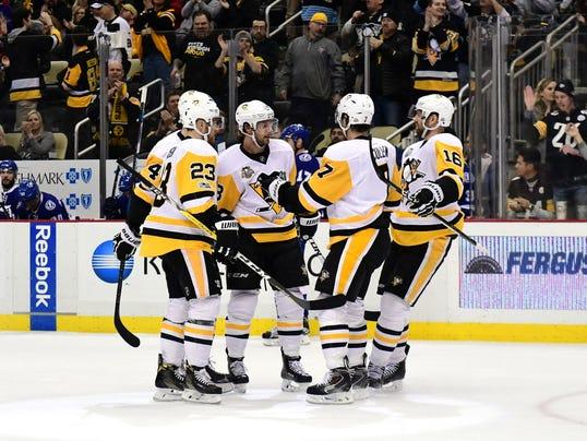 GTY 637992610 S SPORTS HOCKEY - OTHER HOCKEY (ICE) - NHL USA PA