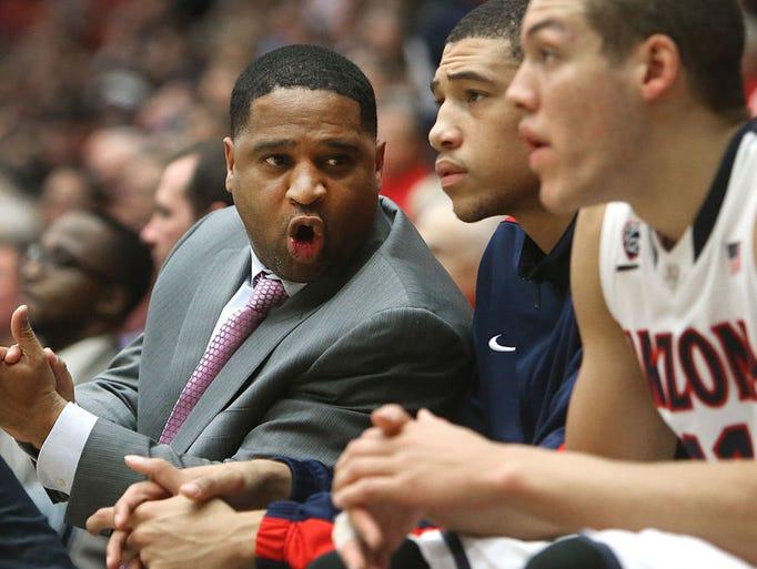 "Arizona assistant coach Emanuel ""Book"" Richardson talks"