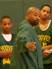 Charles Zanders coaching the Hoover Huskies in 2008.