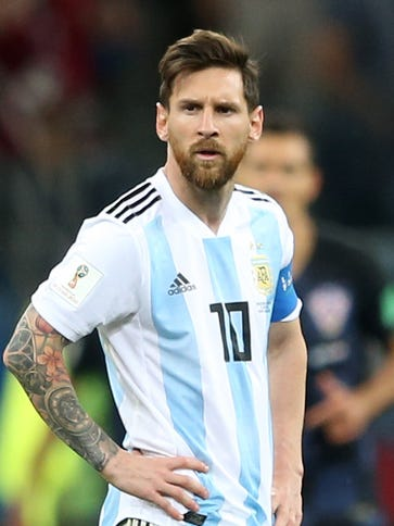 Lionel Messi looks dejected during Argentina's World