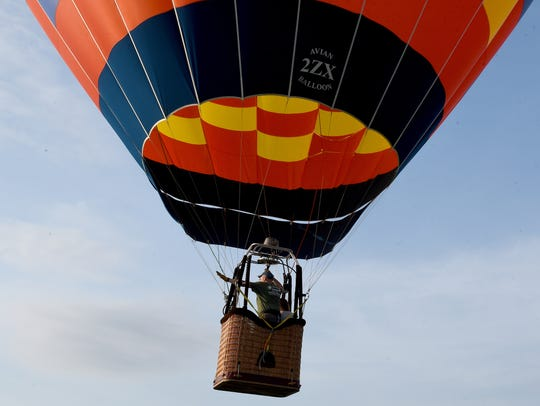 Zee-Nith balloon pilot Alex Jonard II, of Illinois,