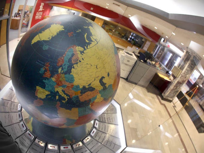 The historic terrestrial globe that sat in the Des