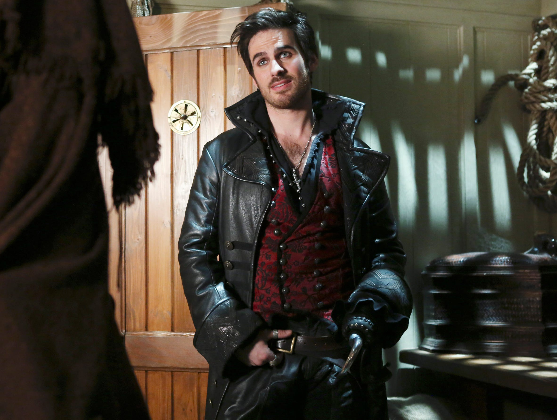 captain hook once upon a time actor Colin o'donoghue dating history, 2018 colin o'donoghue is a 37 year old irish actor born colin o'donoghue on 26th once upon a time: 2011: captain hook.