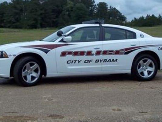 635582171134518487-Byram-police