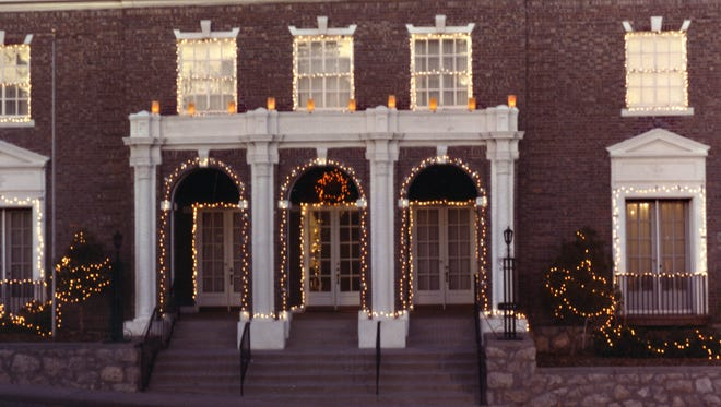 The Woman's Club building at 1400 N. Mesa Street decorated for the holidays.