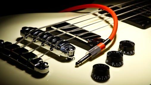 Brian Farmer, guitar tech to the stars, dies at age 53.