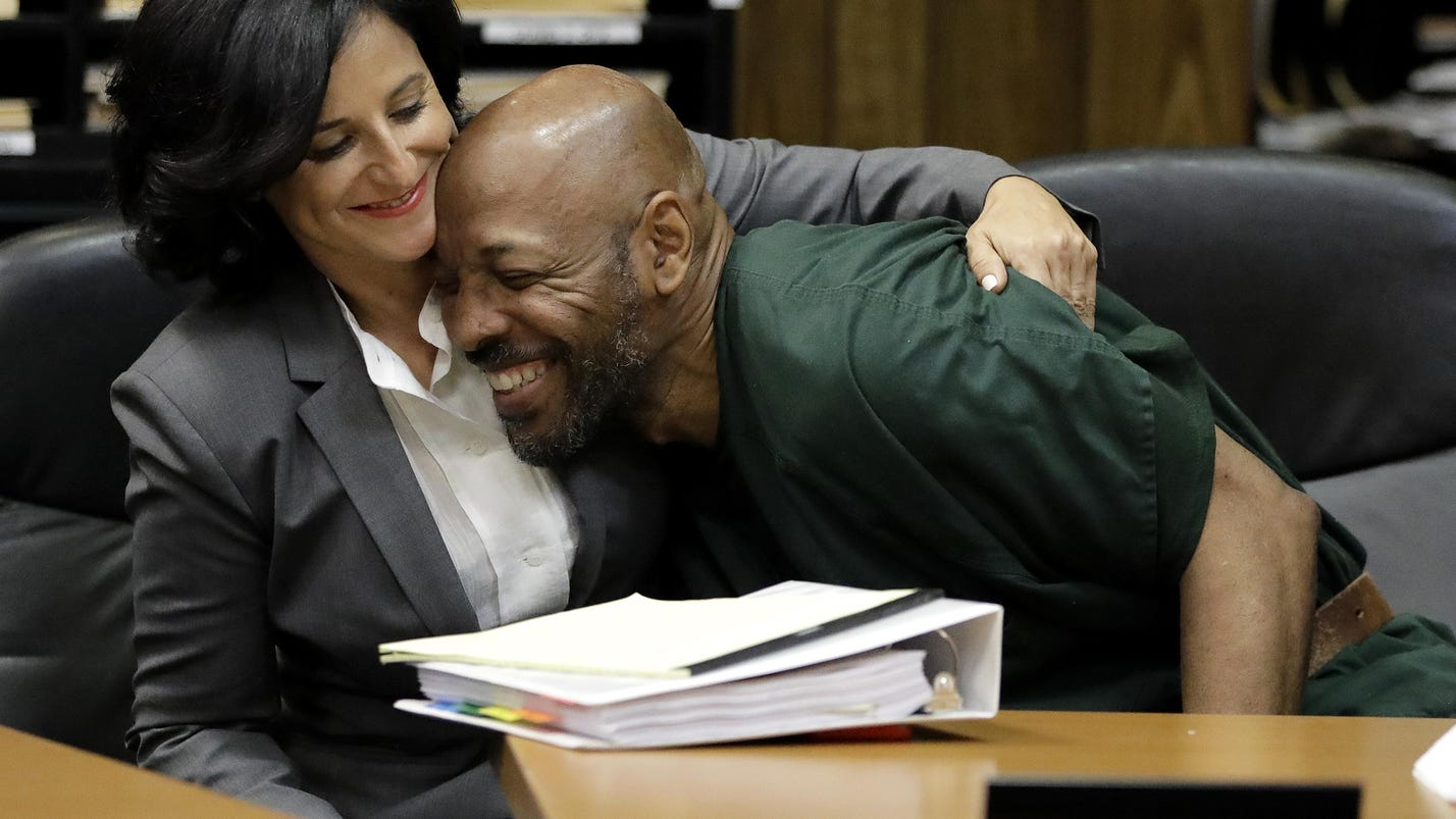 Appeals court OKs new trial for 2 in '93 store slaying