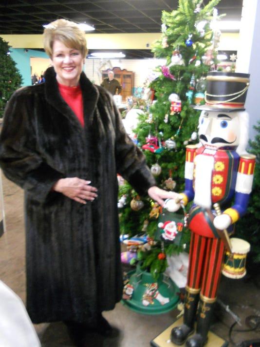 1 Mink coat winner Dee Crawford.JPG