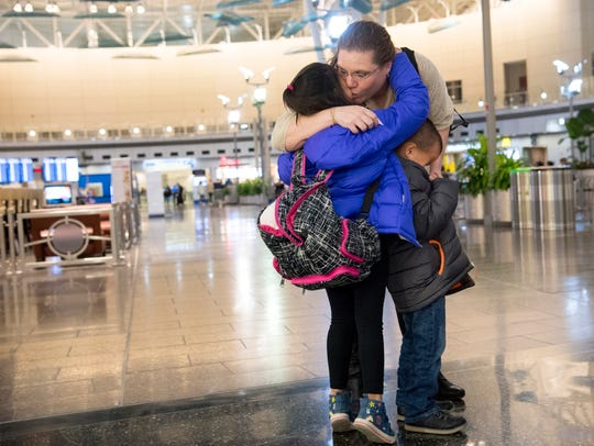 Jacqueline Linares says her goodbyes to her niece,