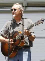 Tom Chapin will perform the fundraising concert For Pete's Sake! A Concert For Clearwater in June.