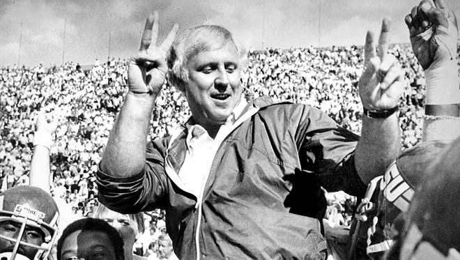Iowa State coach Donnie Duncan led his team to victory, 19-7, in 1982.