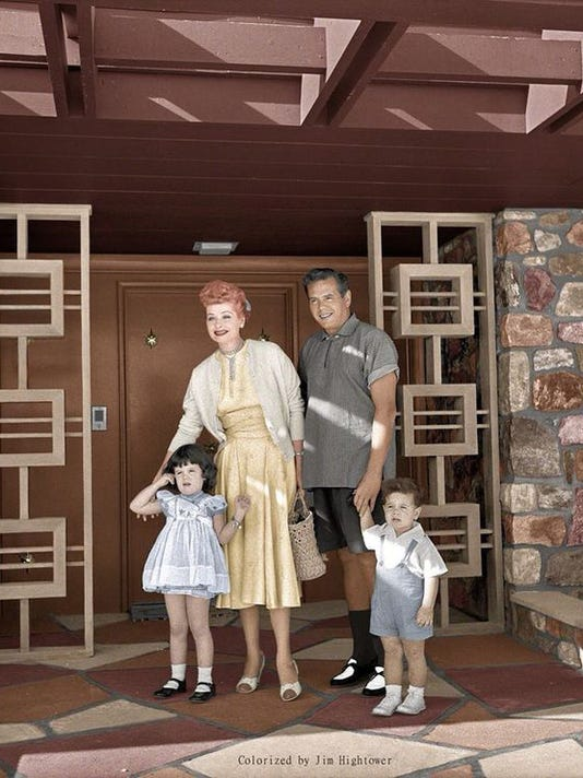 636428902235538977-Family-in-front-of-PS-house-color.jpg