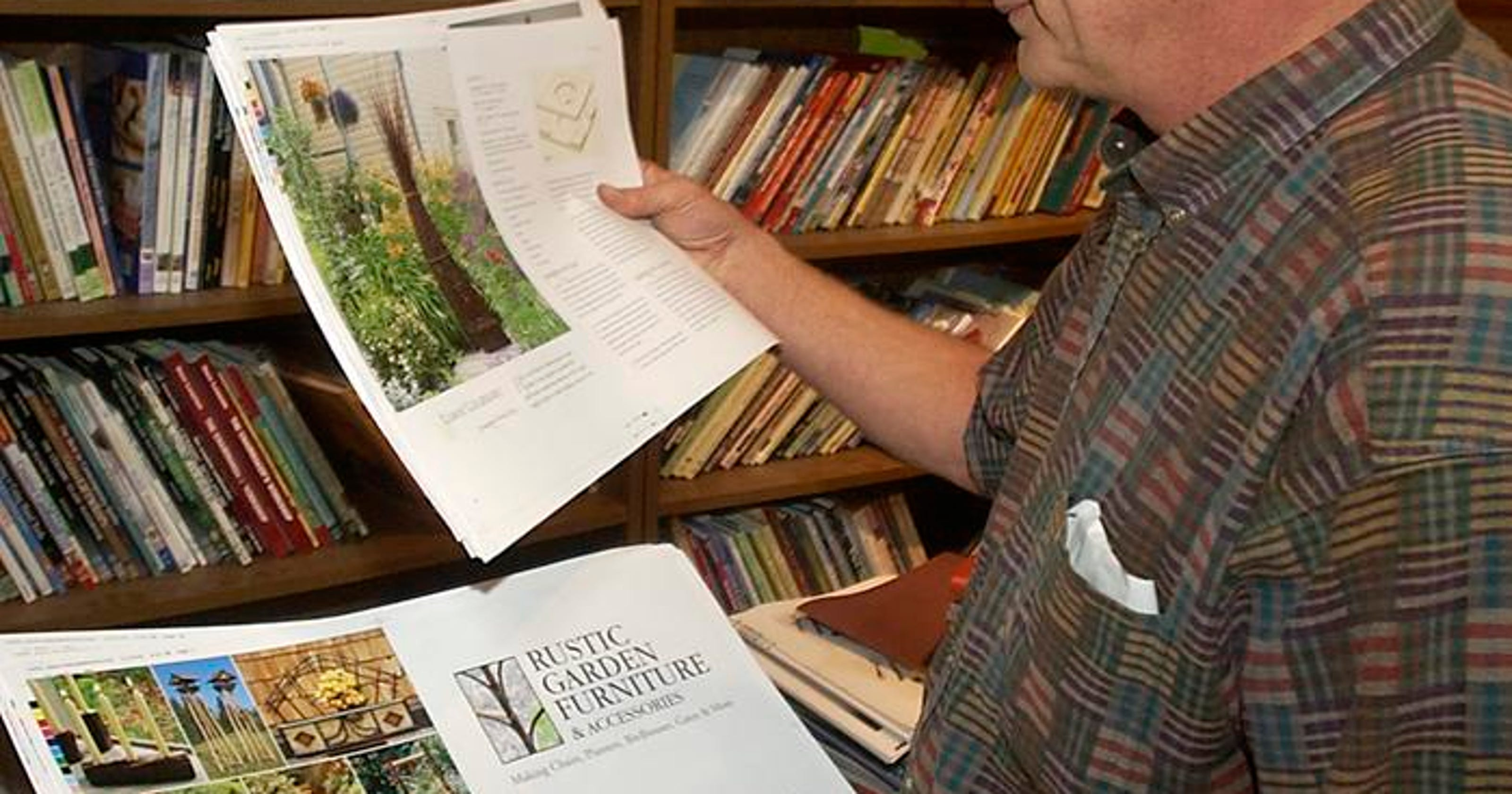 Lark Books to close offices in Asheville