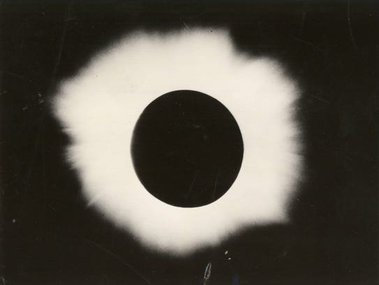 Canton Island: This photograph of the sun's mysterious
