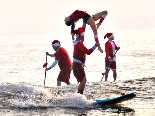 122417Surfing-Santas-of-Cocoa-Beach-60.jpg