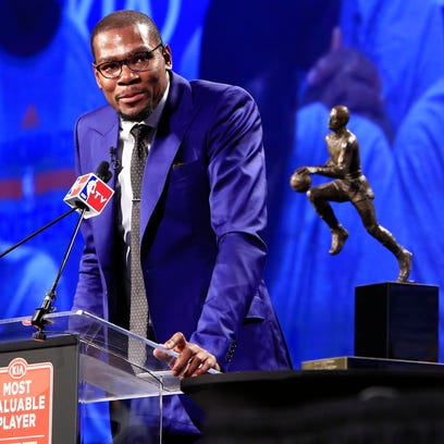 With Kevin Durant injured, the NBA MVP is up for grabs. USA TODAY Sports' panel of 8 NBA experts votes every week during the regular season on the award. Flip through for our picks (points on a 7, 5, 3, 2, 1 basis) from the week of Jan. 25.