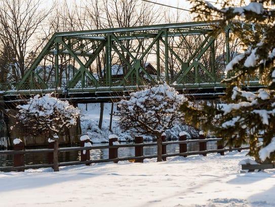 The bridge in Seneca Falls, Seneca County that many